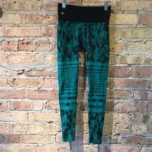 NUX green & black crop leggings sz S 56476